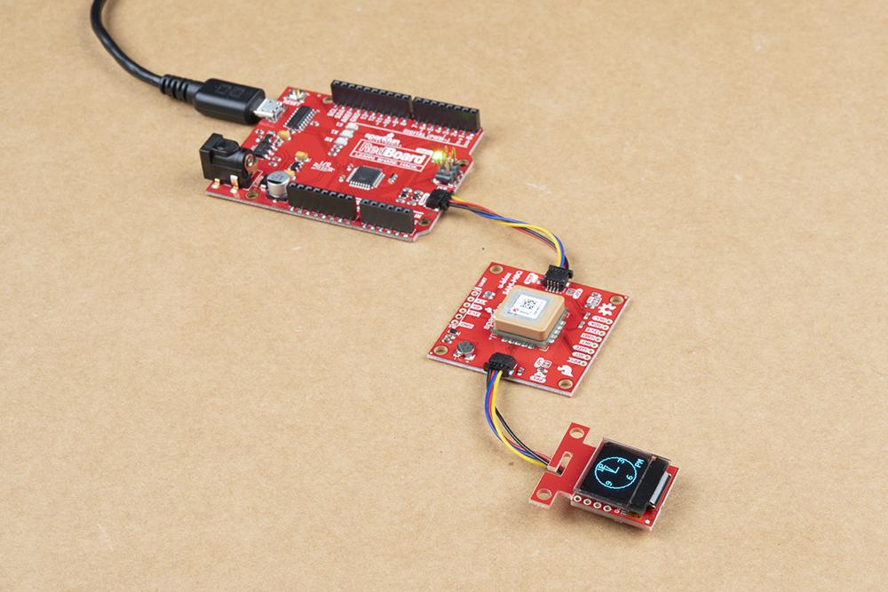 https://cdn.sparkfun.com/assets/learn_tutorials/1/2/6/3/Qwiic_GPS_Clock_microOLED-Analog_Arduino_RedBoard.jpg