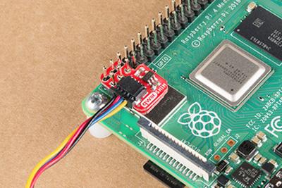 Qwiic SHIM mounted on a Pi 4.