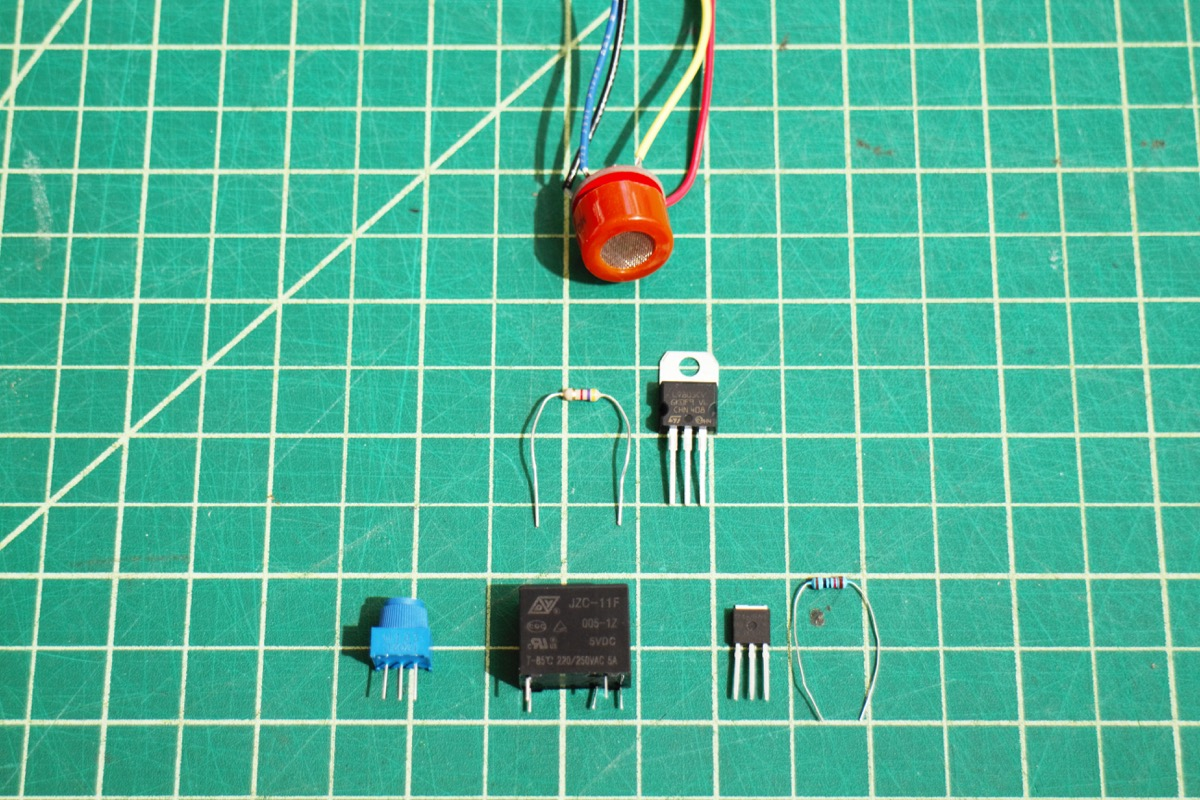 Hazardous Gas Monitor The Inductive Sensor Circuit We Will Build That Sounds A Buzzer When Aside Mq7 Requires Cycling Heater Voltage H1 Between 15v For 90s And 5v 60s One Way To Do This Is Use Relay Triggered By