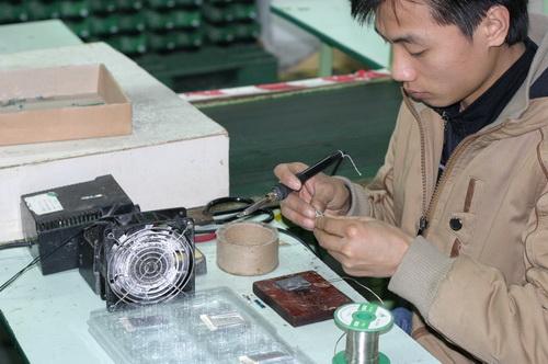 http://cdn.sparkfun.com/newsimages/China-2011/2/5-Batteries-4-M.jpg