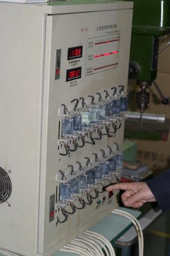 http://cdn.sparkfun.com/newsimages/China-2011/2/5-Batteries-6-M.jpg