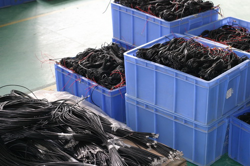 http://cdn.sparkfun.com/newsimages/China-2011/3/6-Cables-2-M.jpg