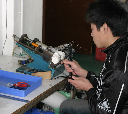 http://cdn.sparkfun.com/newsimages/China-2011/3/6-Cables-4-M.jpg