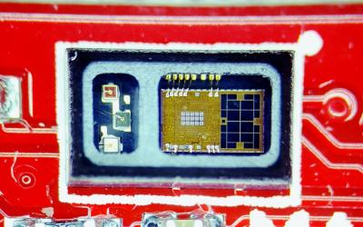 Close up photo of the MAX30101 sensor