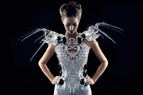 spider dress from Anouk Wipprecht powered by intel edison