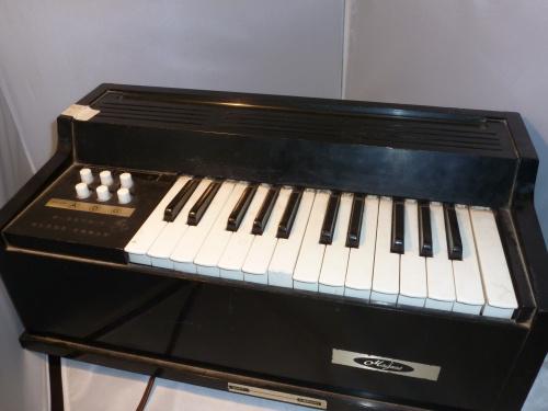 Magnus Chord Organ