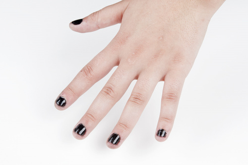 Black nail polish UV LED cured
