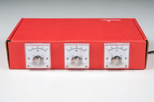 Box analog panel meter clock in action