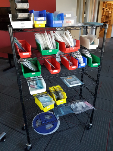Tape and reel cart