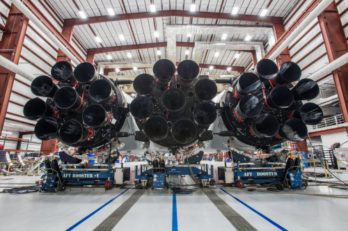 Falcon Heavy in hangar