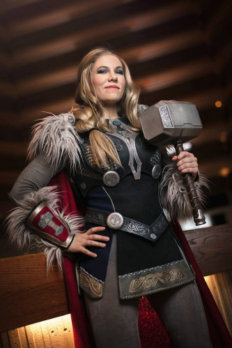Full Thor costume with hammer