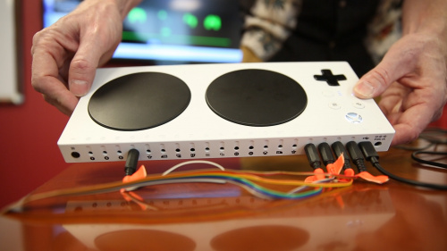 Xbox adaptive Controller in hand