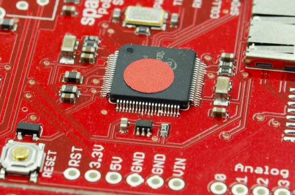 Solder jumper on IC