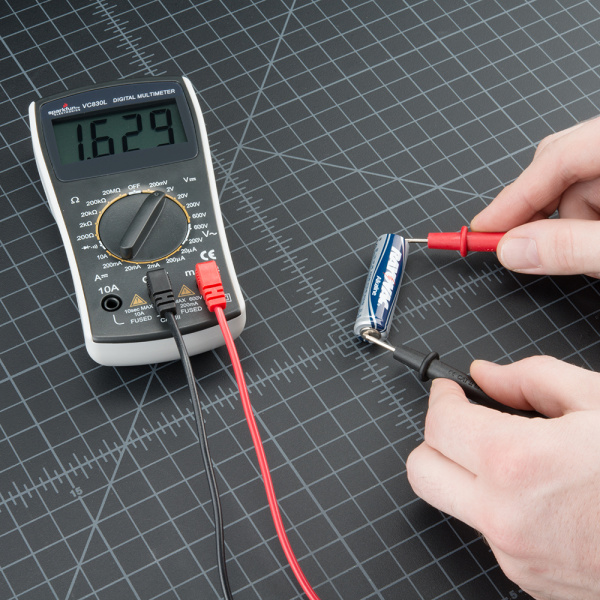 Testing a AA Battery with Multimeter