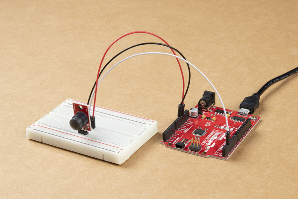 Assembled PIR Breakout circuit with a RedBoard Qwiic