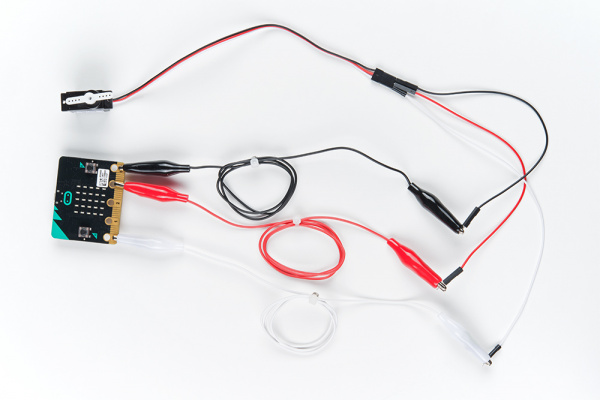 micro:bit Using a Servo Final Assembly