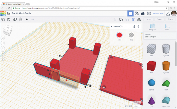 Using the Align tool to center an object in Tinkercad